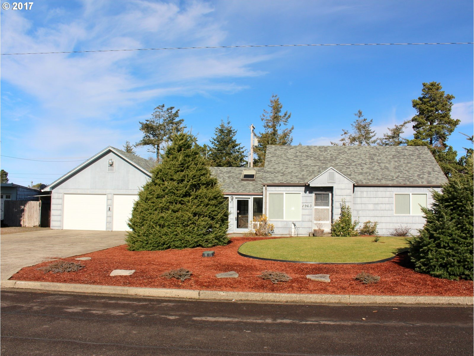 1685 sq. ft 4 bedrooms 2 bathrooms  House For Sale,Florence, OR