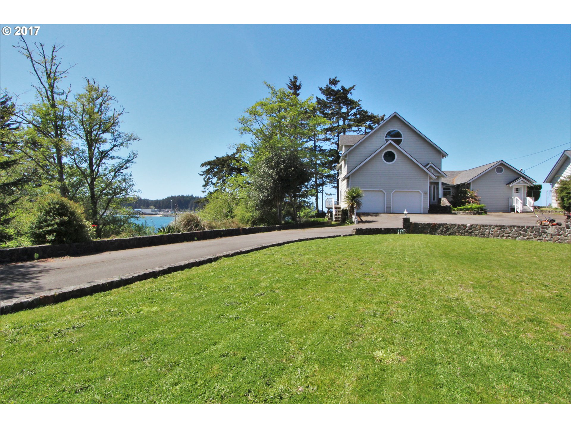 3409 sq. ft 4 bedrooms 4 bathrooms  House For Sale,Coos Bay, OR