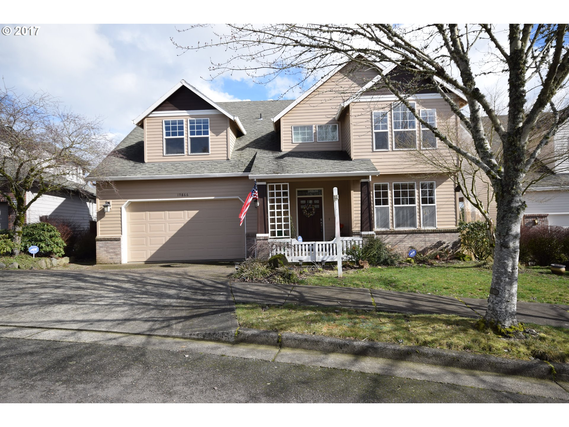 3690 sq. ft 4 bedrooms 2 bathrooms  House For Sale,West Linn, OR