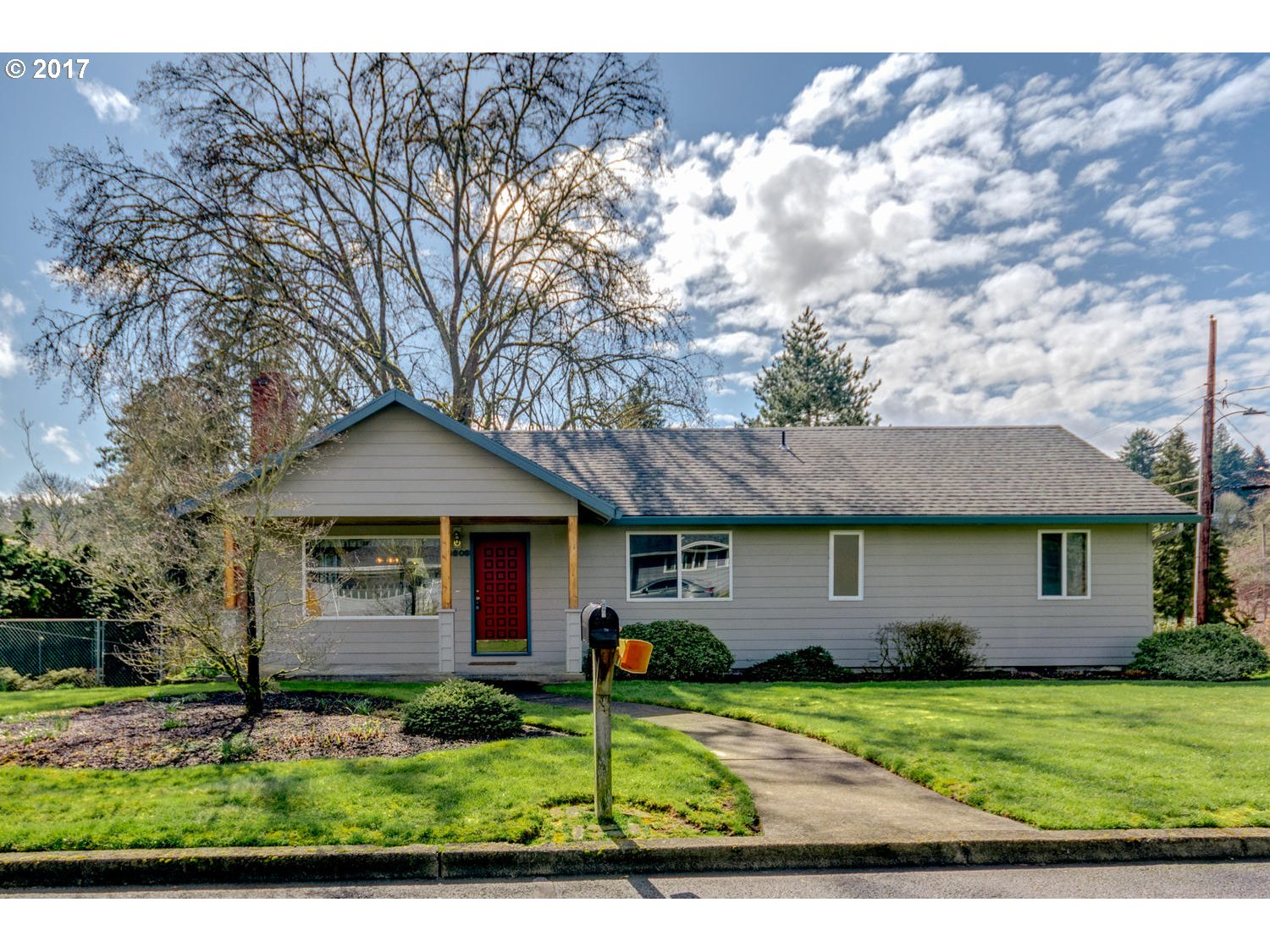 2334 sq. ft 3 bedrooms 2 bathrooms  House For Sale, Milwaukie, OR