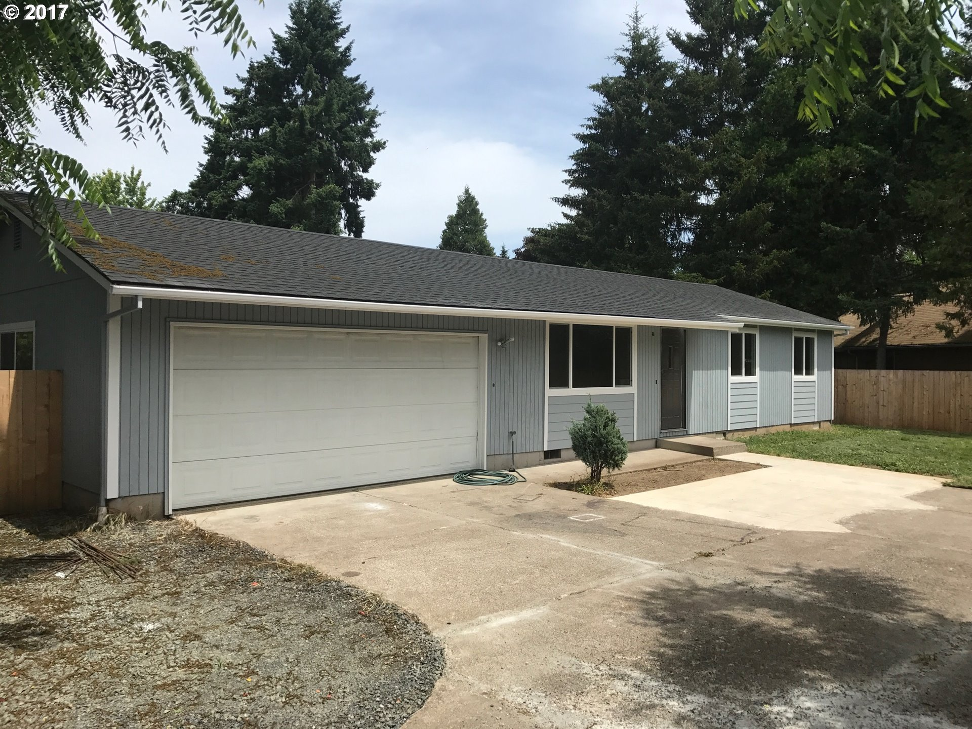 960 sq. ft 3 bedrooms 1 bathrooms  House For Sale,Eugene, OR