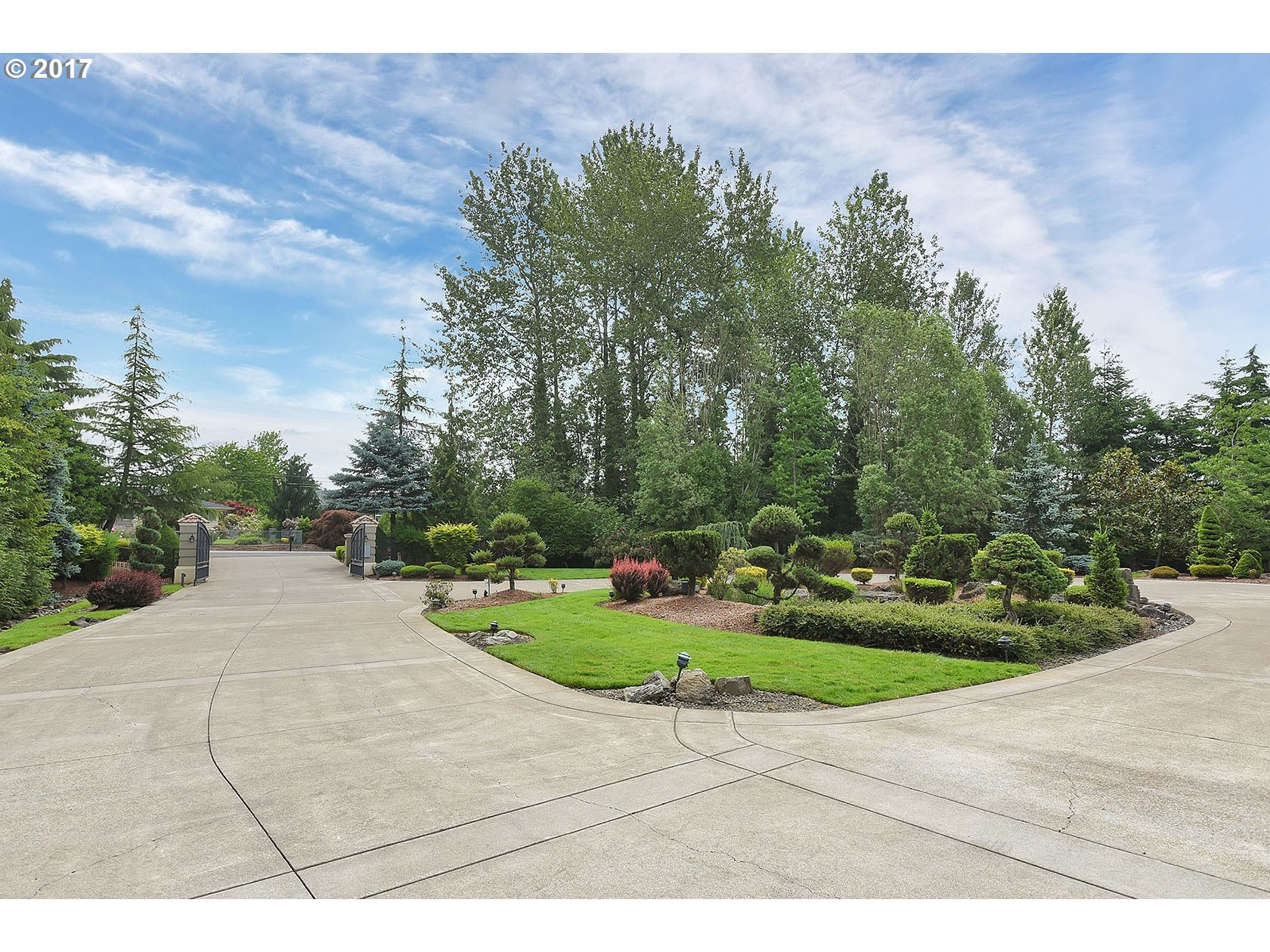 12507 sq. ft 5 bedrooms 6 bathrooms  House For Sale, Happy Valley, OR