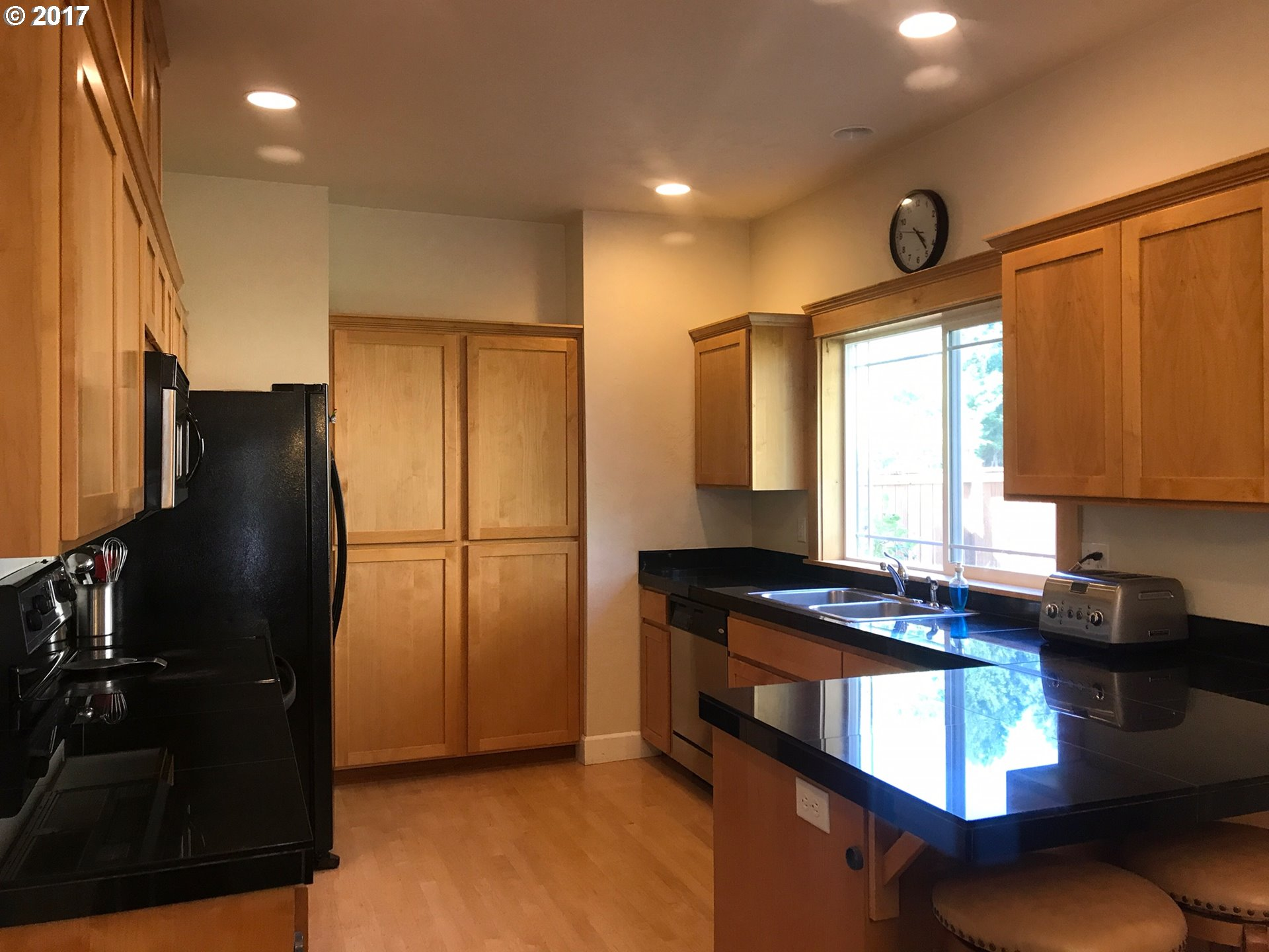 2216 sq. ft 3 bedrooms 2 bathrooms  House For Sale,Veneta, OR