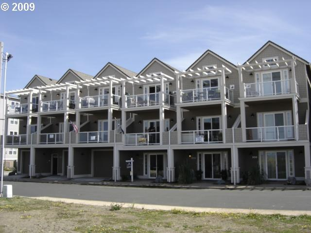 1424 sq. ft 2 bedrooms 2 bathrooms  House For Sale, Rockaway Beach, OR
