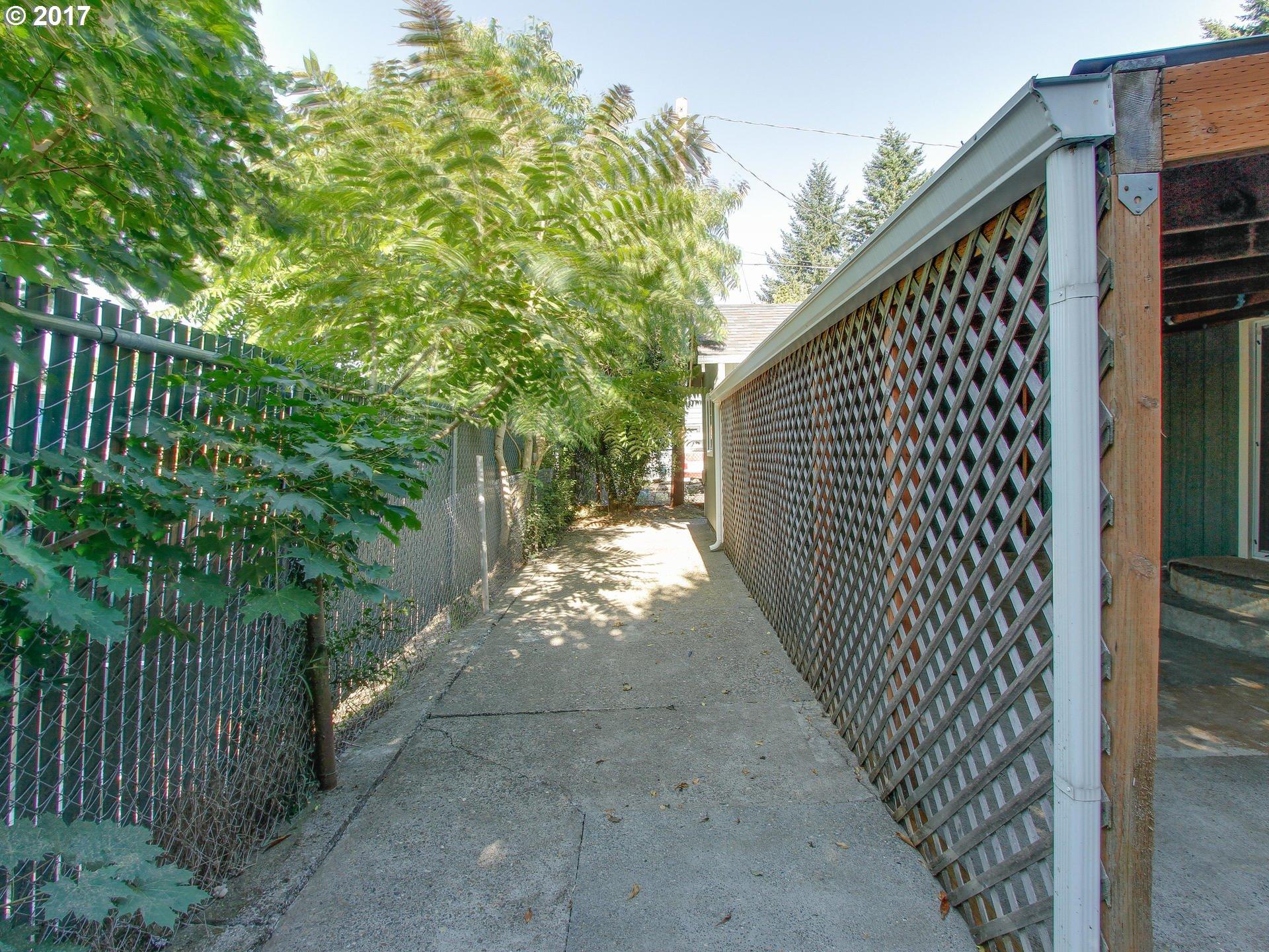 616 HOLMES LN Oregon City, OR 97045 - MLS #: 17698472