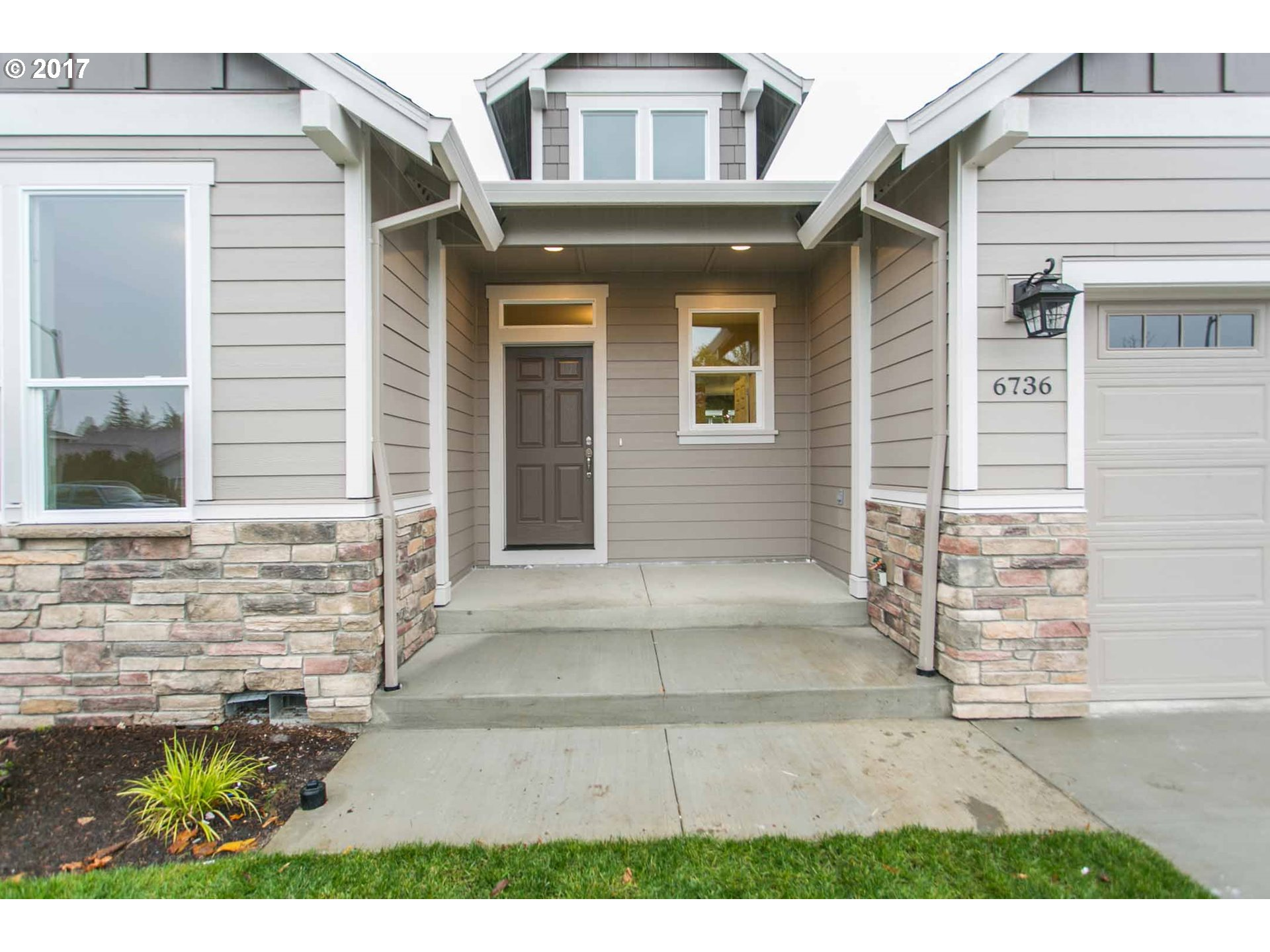 1976 sq. ft 4 bedrooms 2 bathrooms  House For Sale,Hillsboro, OR