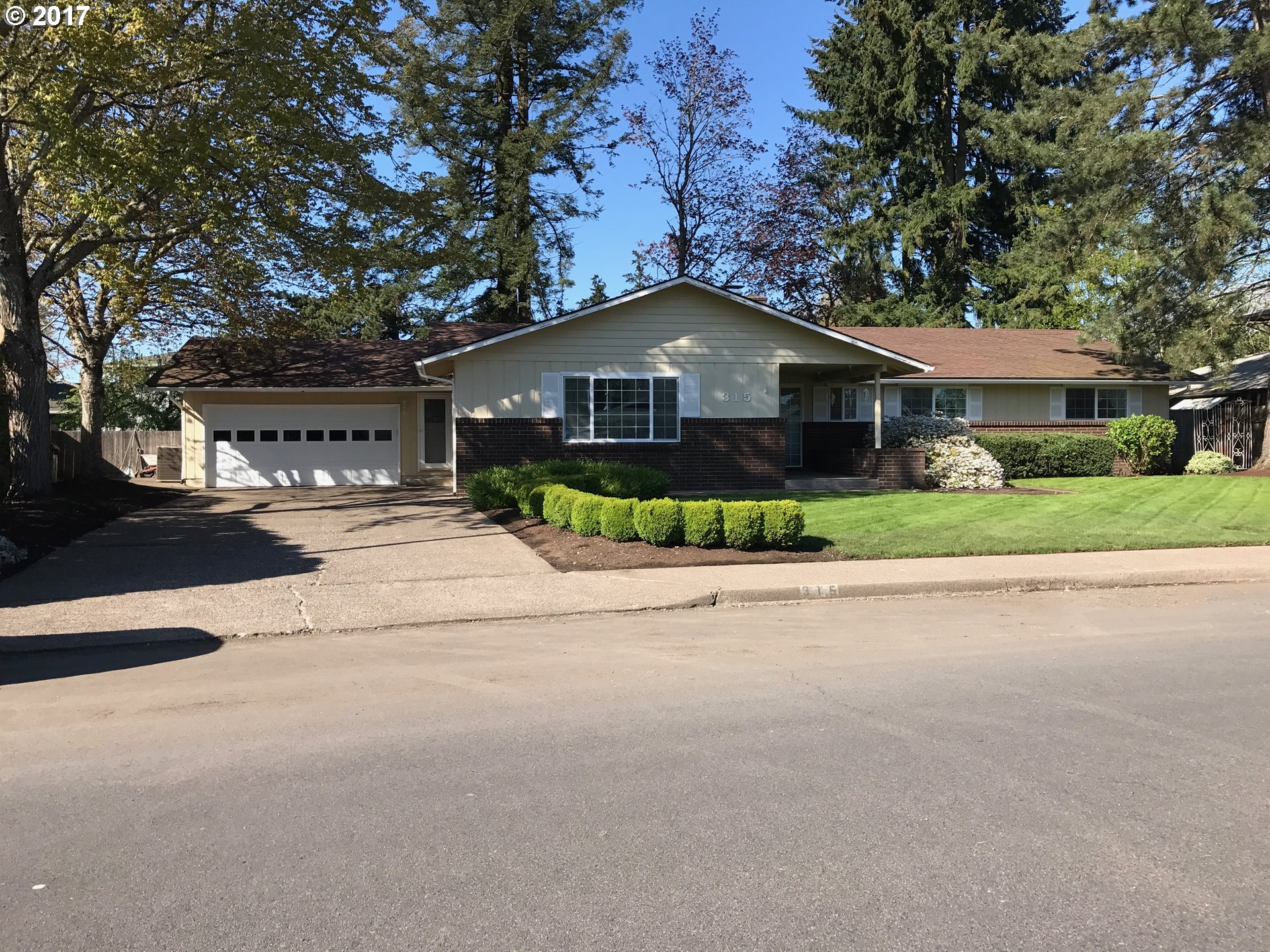 2204 sq. ft 4 bedrooms 2 bathrooms  House For Sale,Eugene, OR
