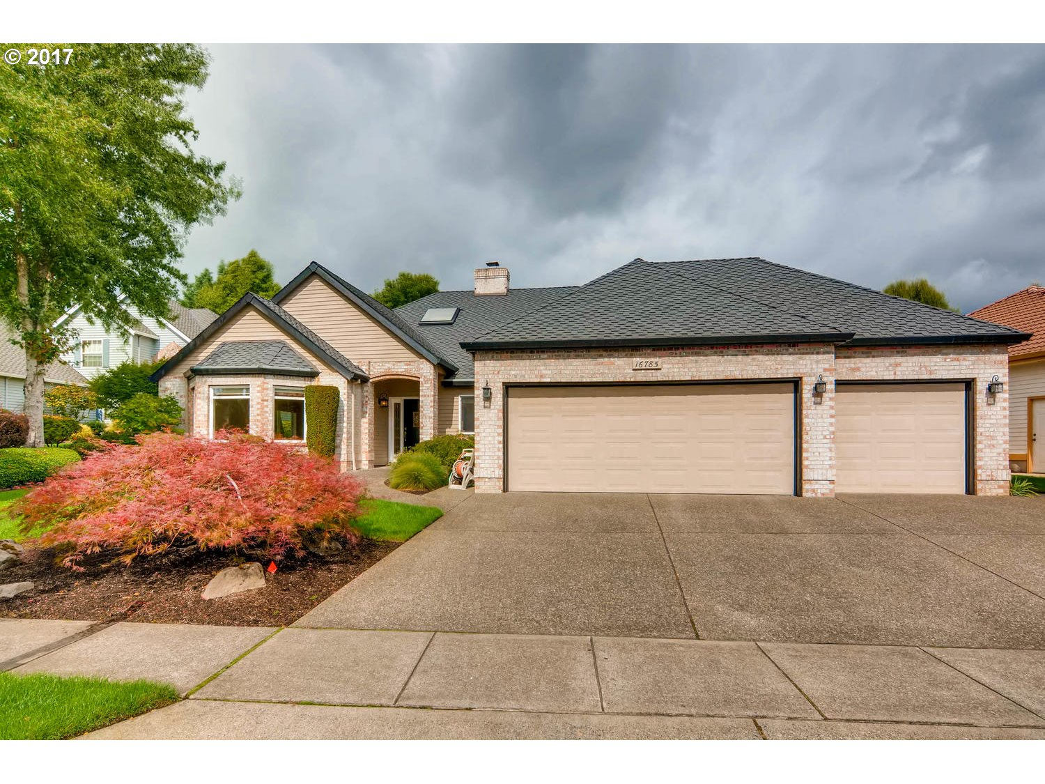 Open House Saturday 9/23 11am to 1pm.One Level, One Owner, this home is impeccable and move in ready.  Hardwood floors, large spacious kitchen opens to family room, gas range, gas f/p, master suite with newly remodeled bathroom, 3 car finished garage, built in vac system.  On cul-d-sac, beautifully landscaped yard.