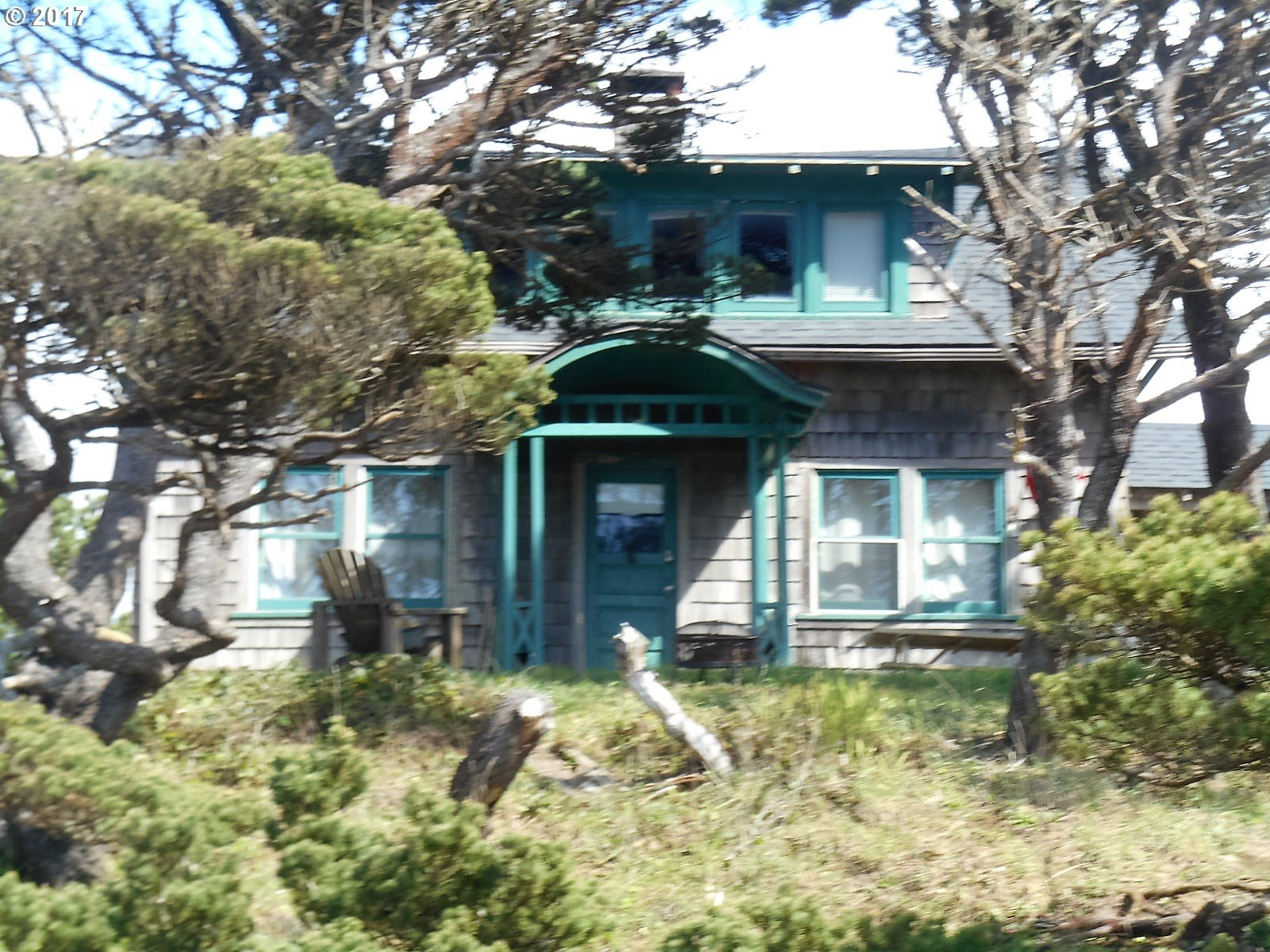 892 sq. ft 2 bedrooms 1 bathrooms  House For Sale, Rockaway Beach, OR
