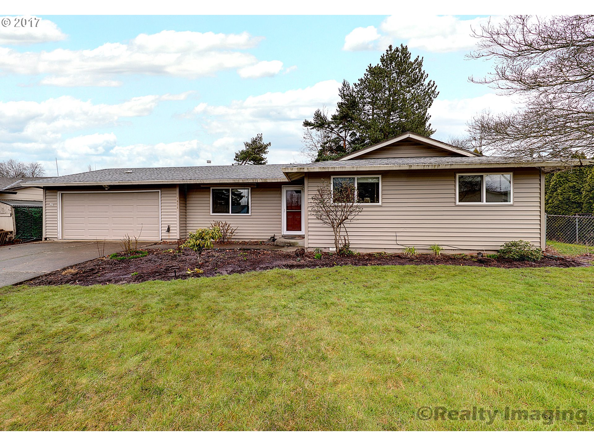 1590 sq. ft 3 bedrooms 2 bathrooms  House For Sale,Gresham, OR