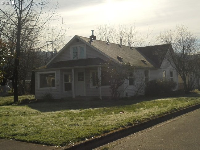 1107 E JEFFERSON AVE Cottage Grove, OR 97424 18021368