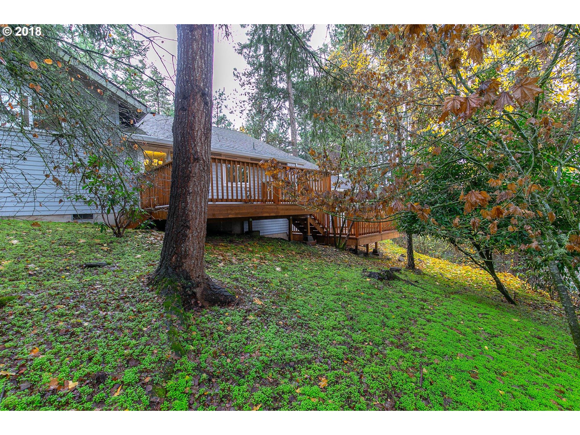 2882 WARREN ST Eugene, OR 97405 - MLS #: 18040279
