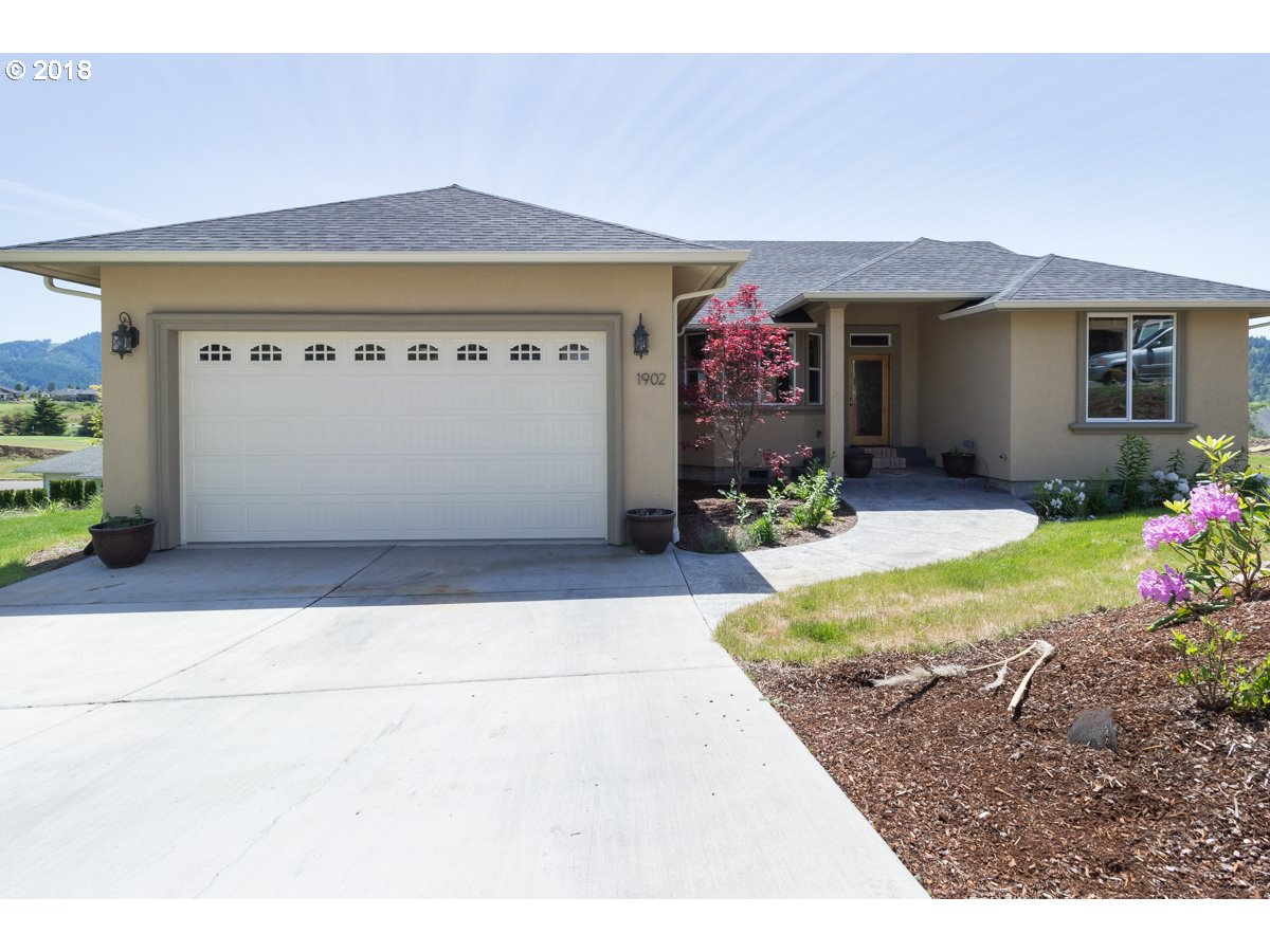 Roseburg, OR 4 Bedroom Home For Sale
