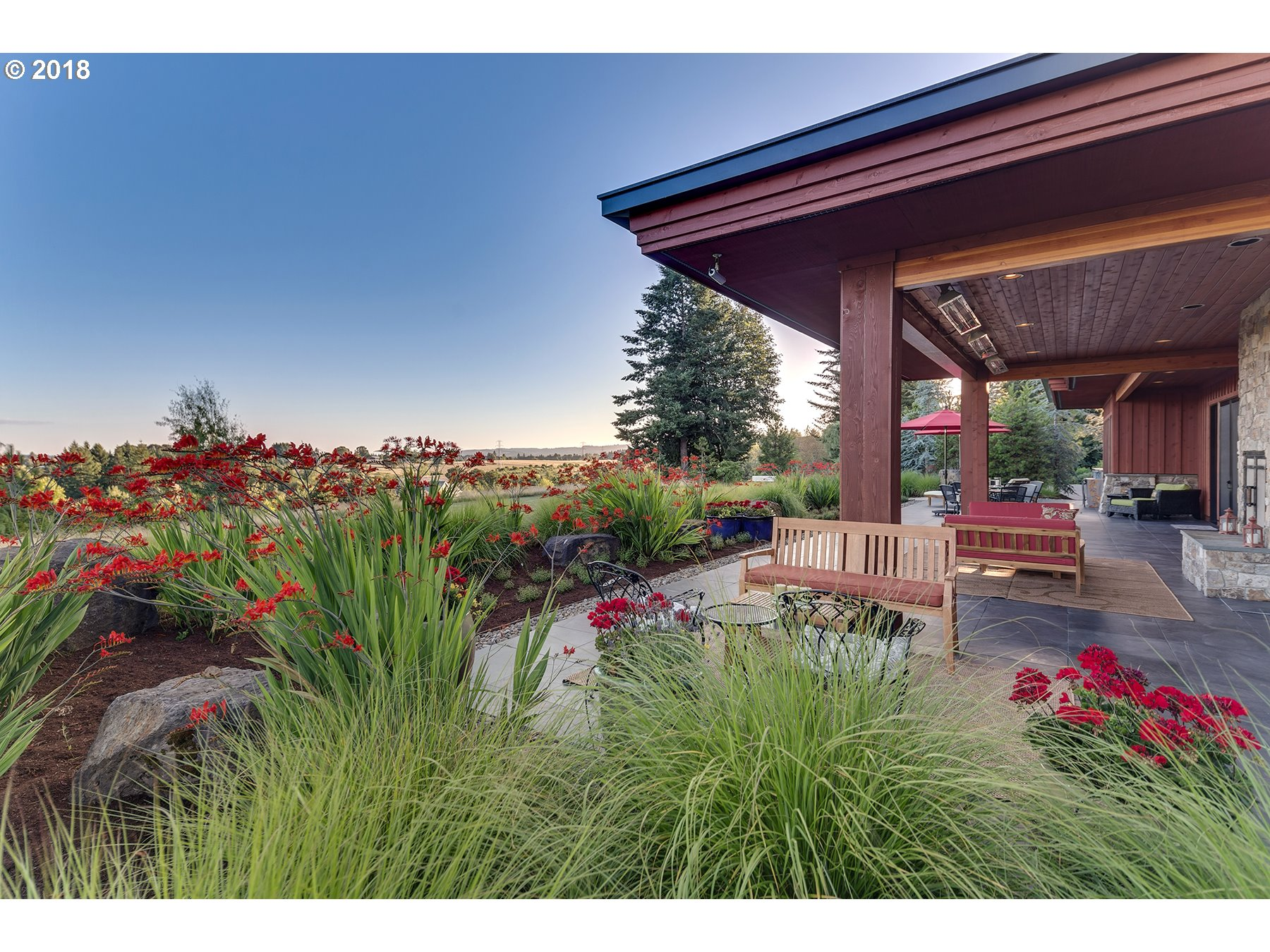 5017 SW EASTGATE DR, WILSONVILLE, OR 97070  Photo 4