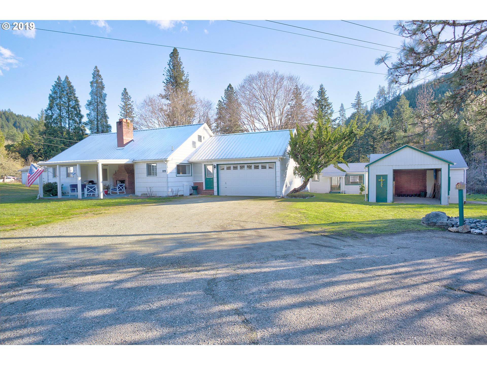 Sunny Valley, OR 4 Bedroom Home For Sale