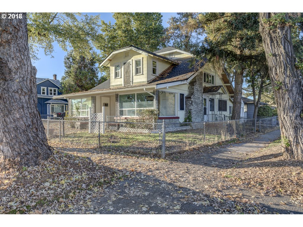 Ashland, OR 5 Bedroom Home For Sale
