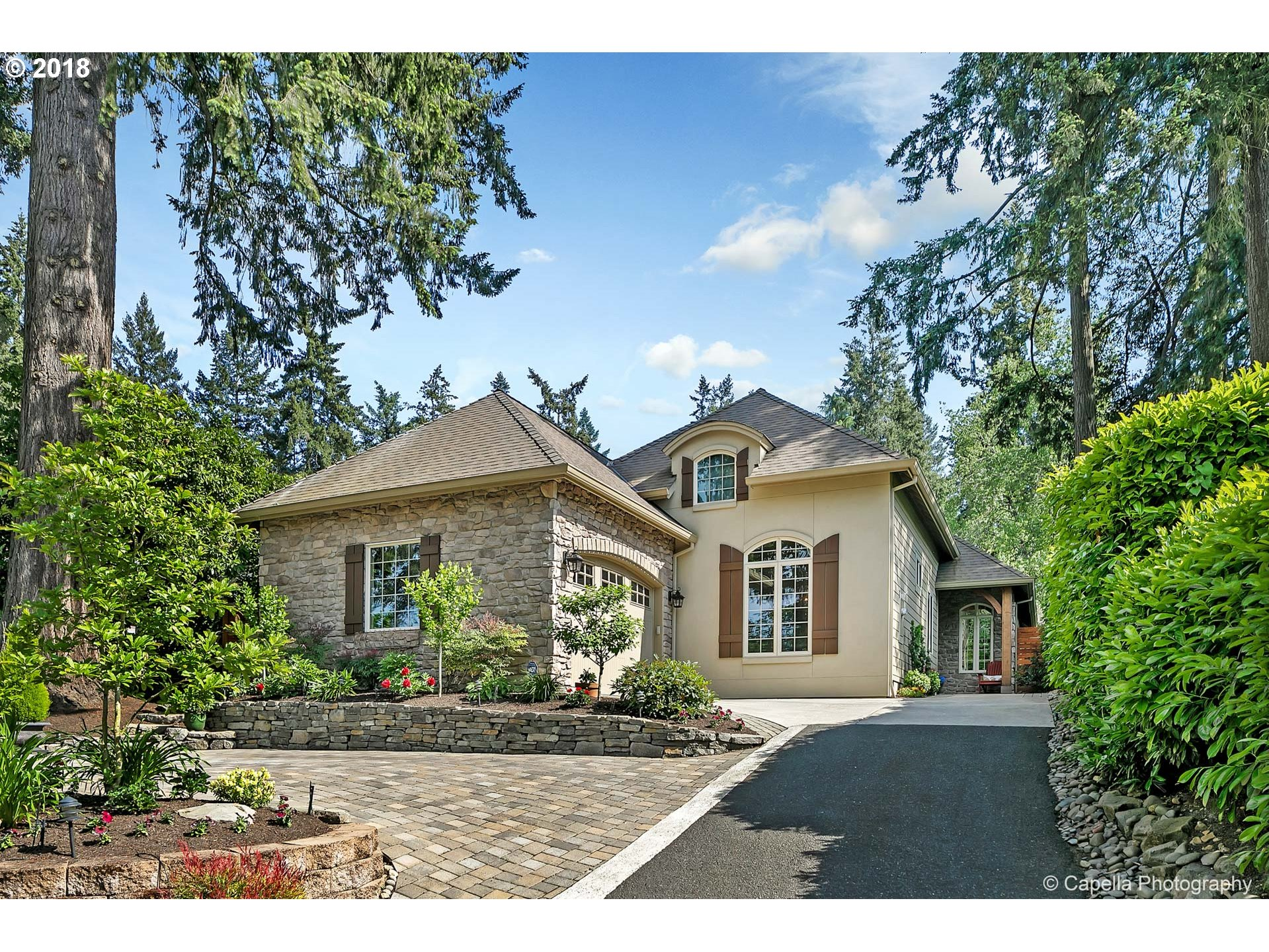 4090 WESTBAY RD, Lake Oswego, OR 97035