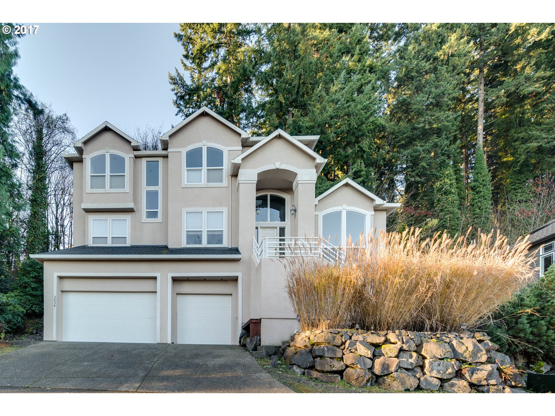 2636 PIMLICO (private dr) DR, West Linn, OR 97068