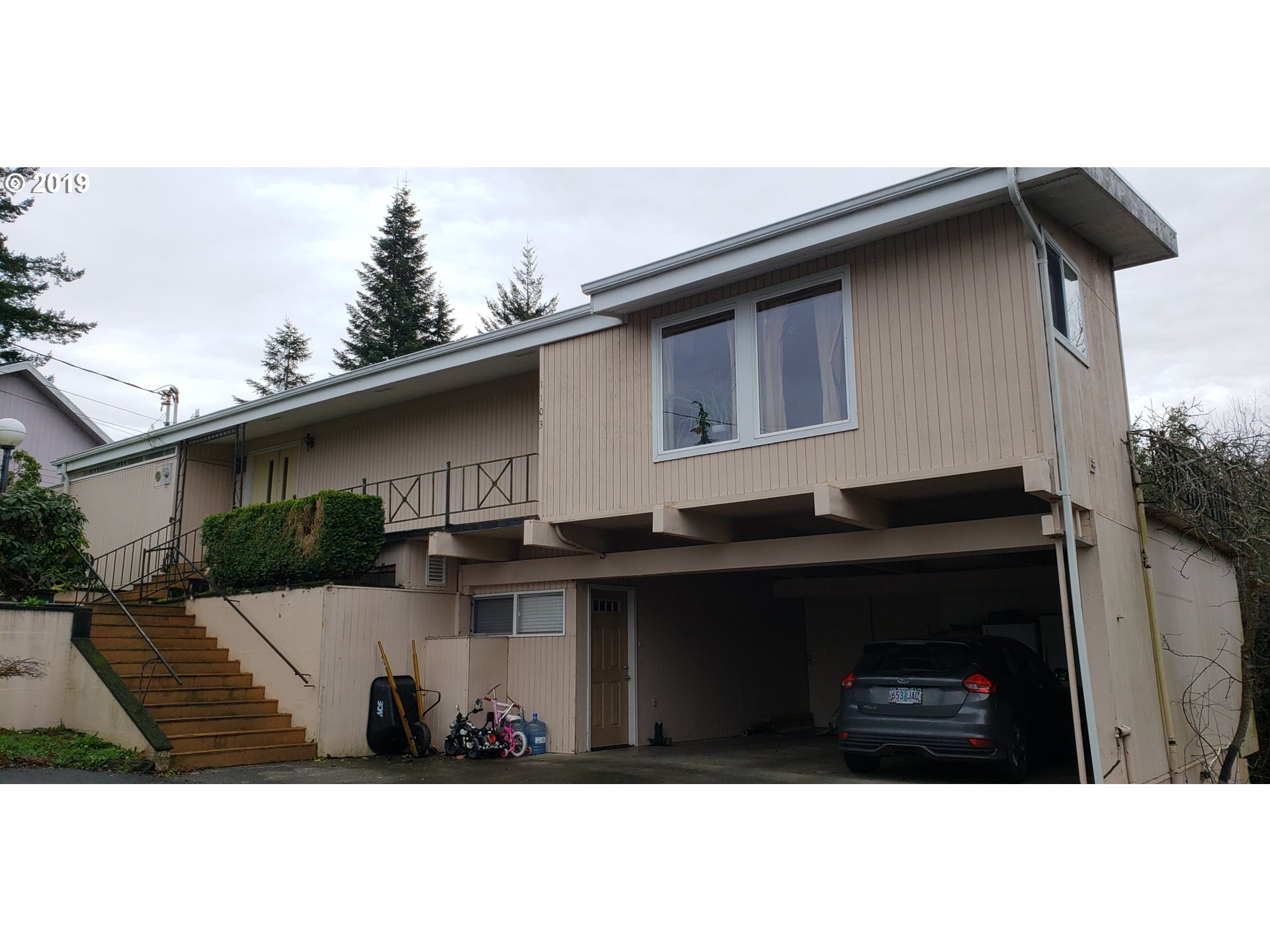 1103 E 1ST PL Coquille, OR 97423 - MLS #: 18147506