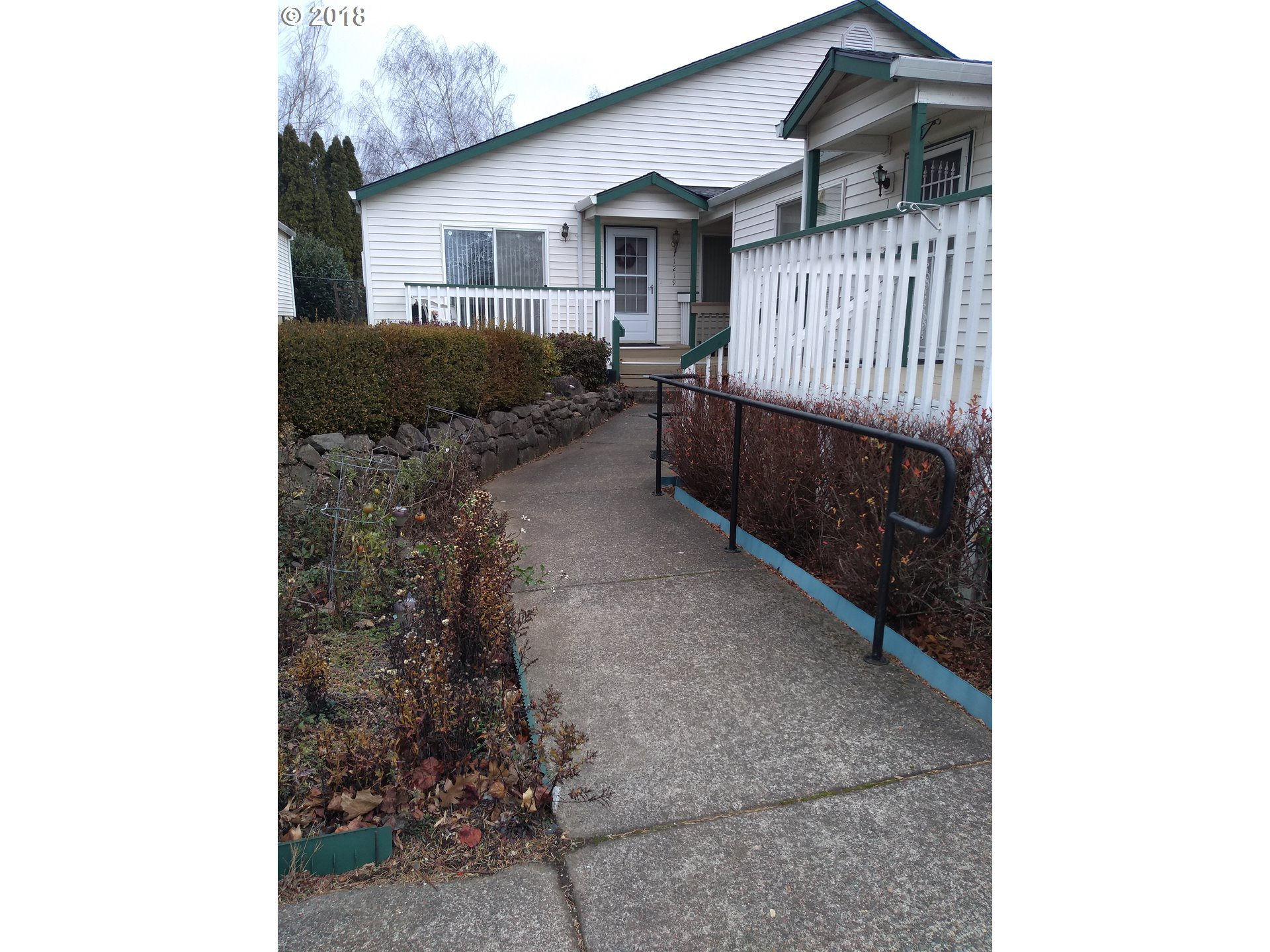 11221 SE STARK ST Portland, OR 97216 - MLS #: 18149179