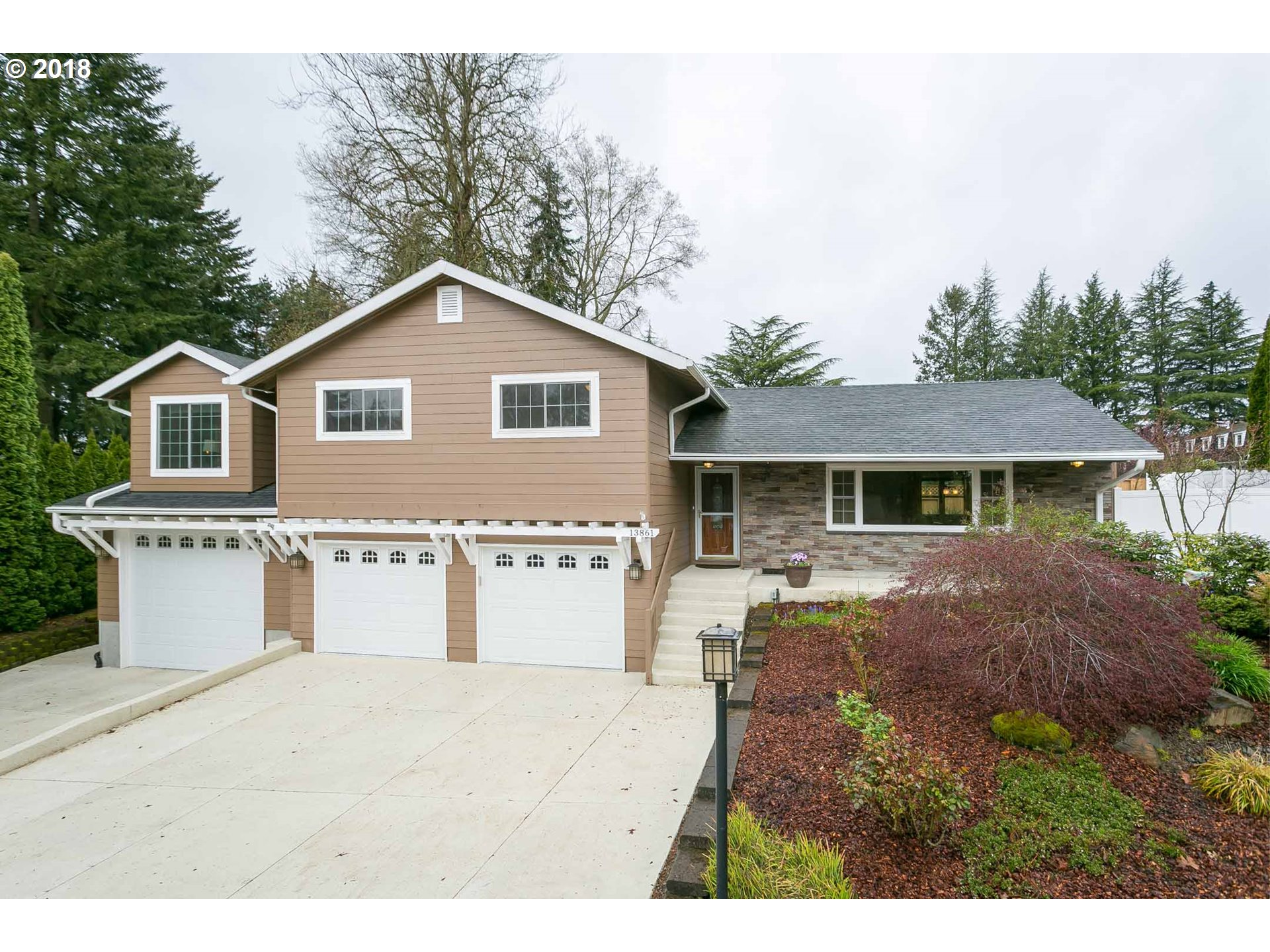 13861 SHIREVA CT, Lake Oswego, OR 97034