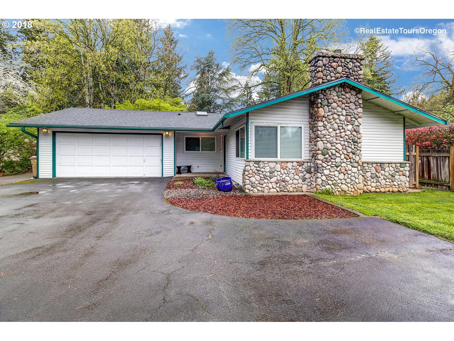 5465 CHILDS RD, Lake Oswego, OR 97035