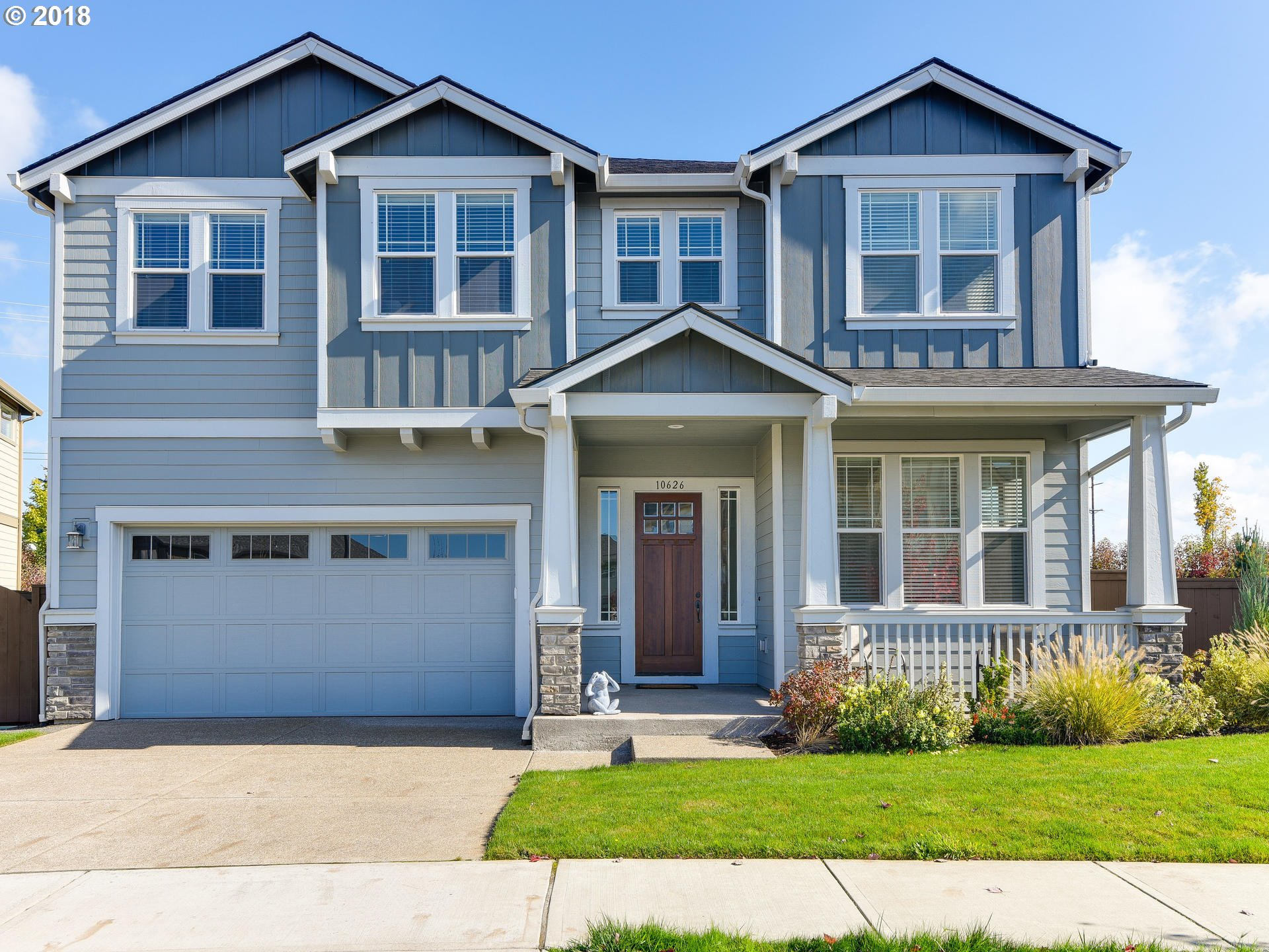 OPEN Saturday 10/13, 11-1 Beautifully  crafted North Plains property in the newer Sunset Ridge Development. Multiple upgrades include hardwoods on main, stone kitchen counters, wooden blinds, stainless appliances, & central AC. Open concept on main with 4 bedrooms & 2 baths on the 2nd, along w/ a loft & a Den/Office/Family Room + laundry. 2 car garage w/ storage room. Close proximity to children's park, wetland preserve, & local schools