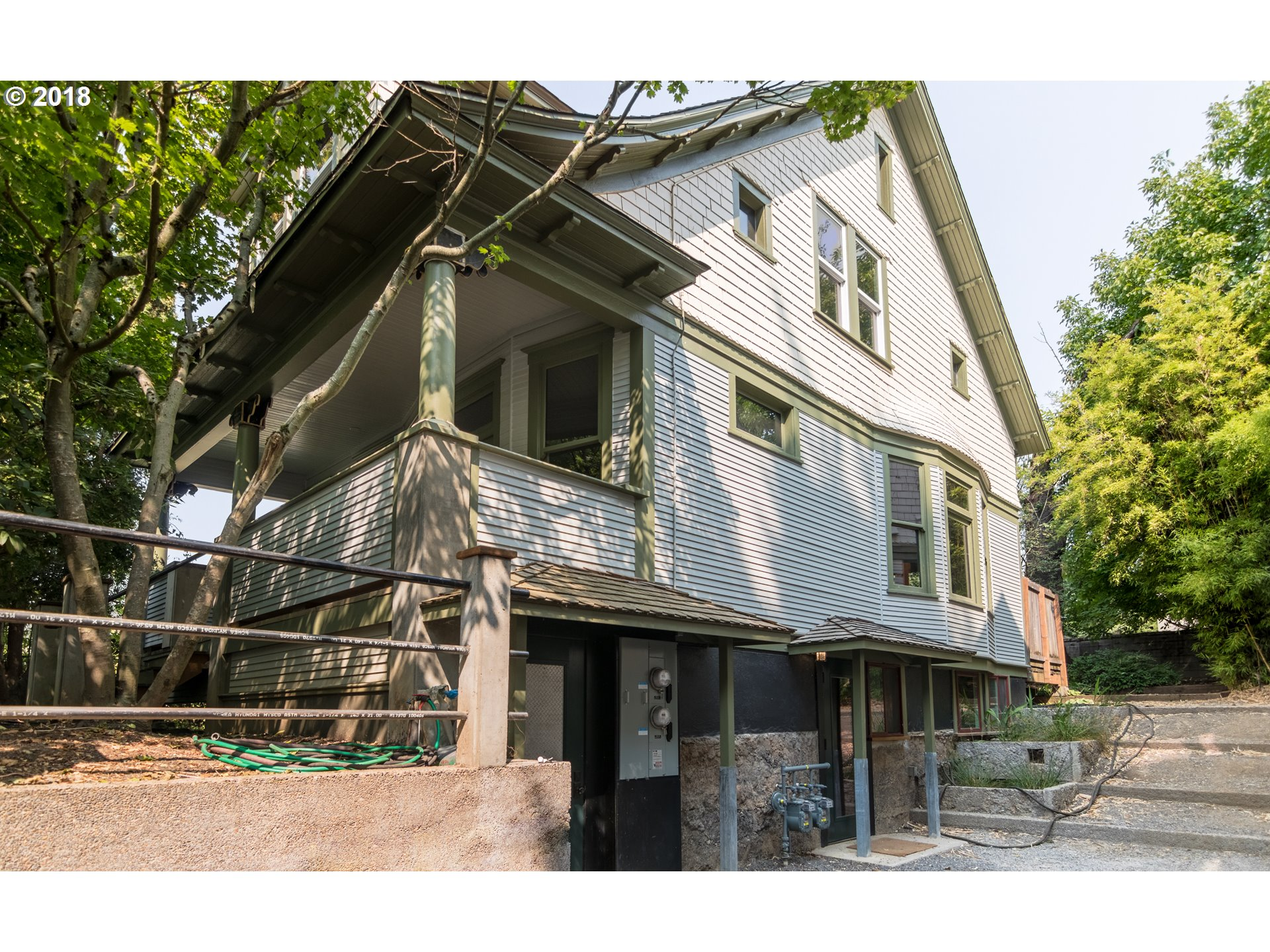 Energy Efficient Portland duplex in the heart of NE. This 1900's craftsman has been completely restored down to the studs, ready to push forward for another 100 years.  All new windows, siding, insulation, paint, and 9/10 energy score. Both units are separately metered, & lower unit is fully ADAA accessible. Property still has the original charm with all the updates. Must see, great rental opportunity, dual living, or in-law quarters. [Home Energy Score = 9. HES Report at https://api.greenbuildingregistry.com/report/hes/OR10014290-20180814]