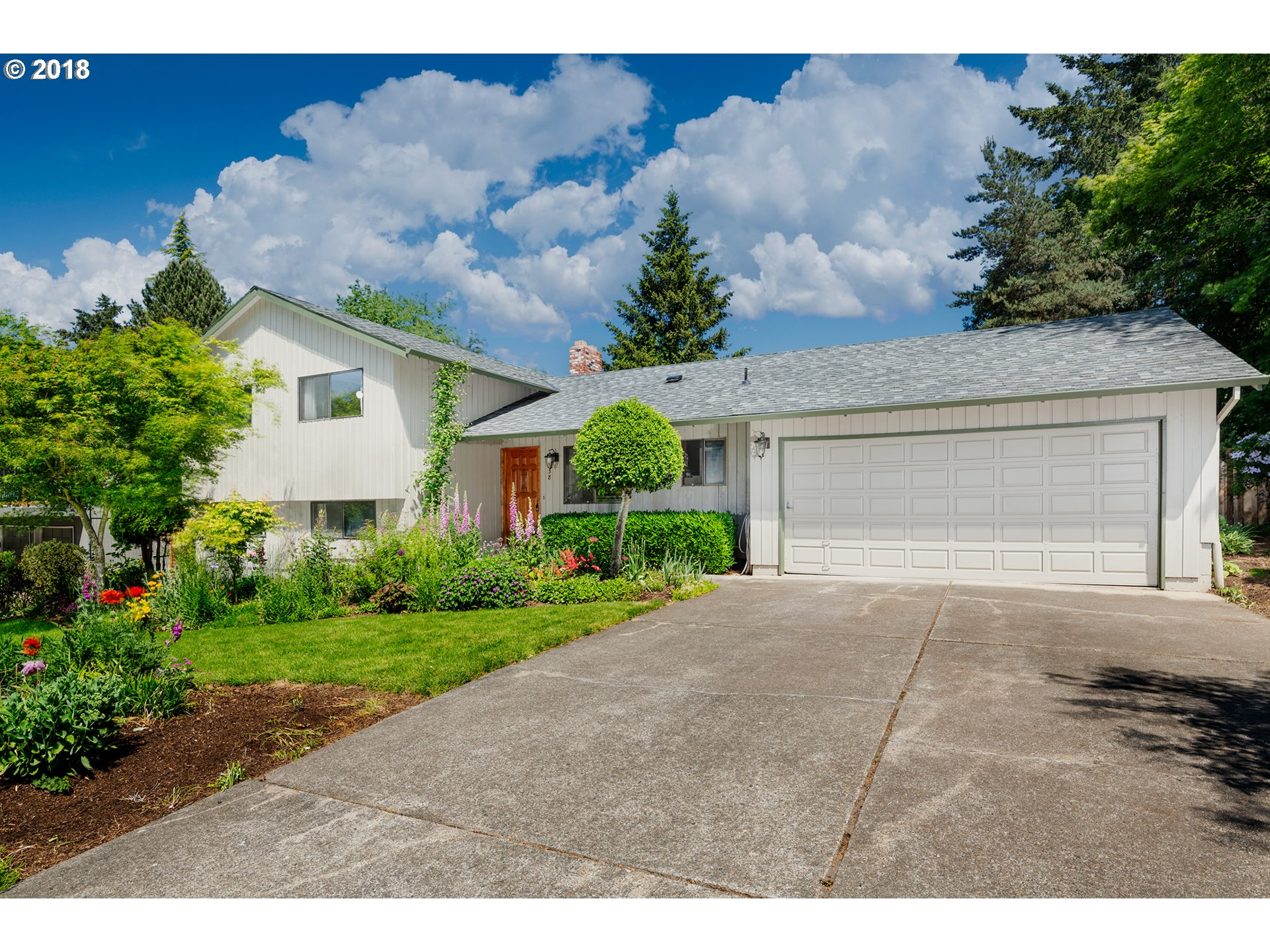 858 NW 8TH DR, Hillsboro, OR 97124