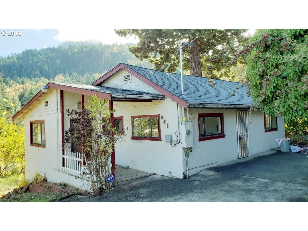 Sunny Valley, OR 2 Bedroom Home For Sale