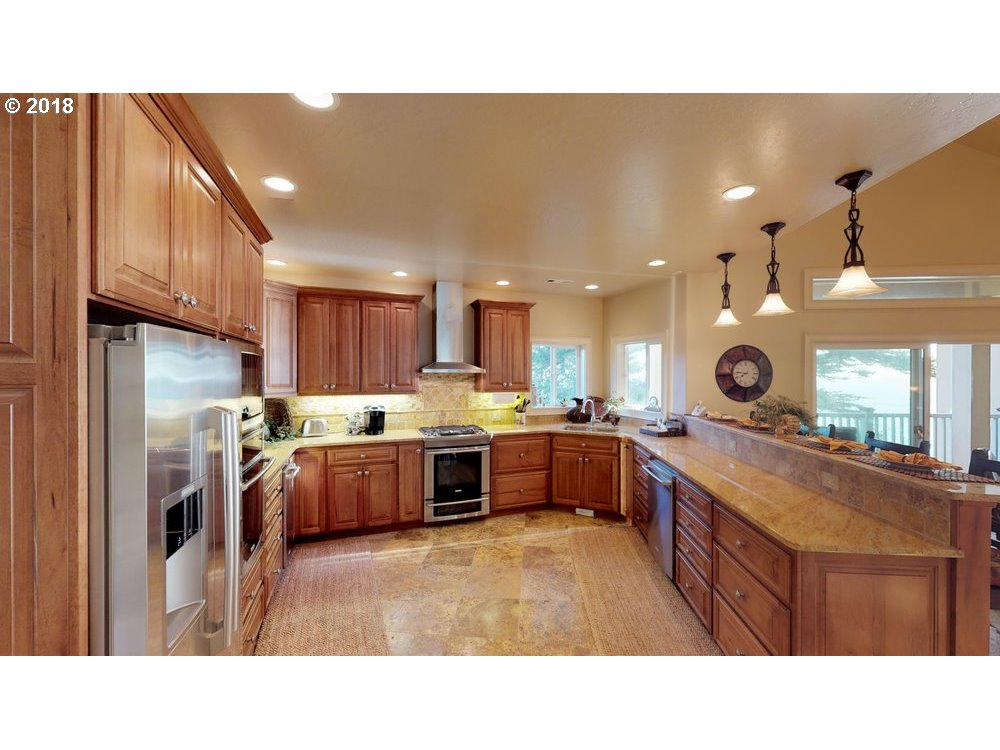 1107 BYRTUS PLACE, BROOKINGS, OR 97415  Photo 13