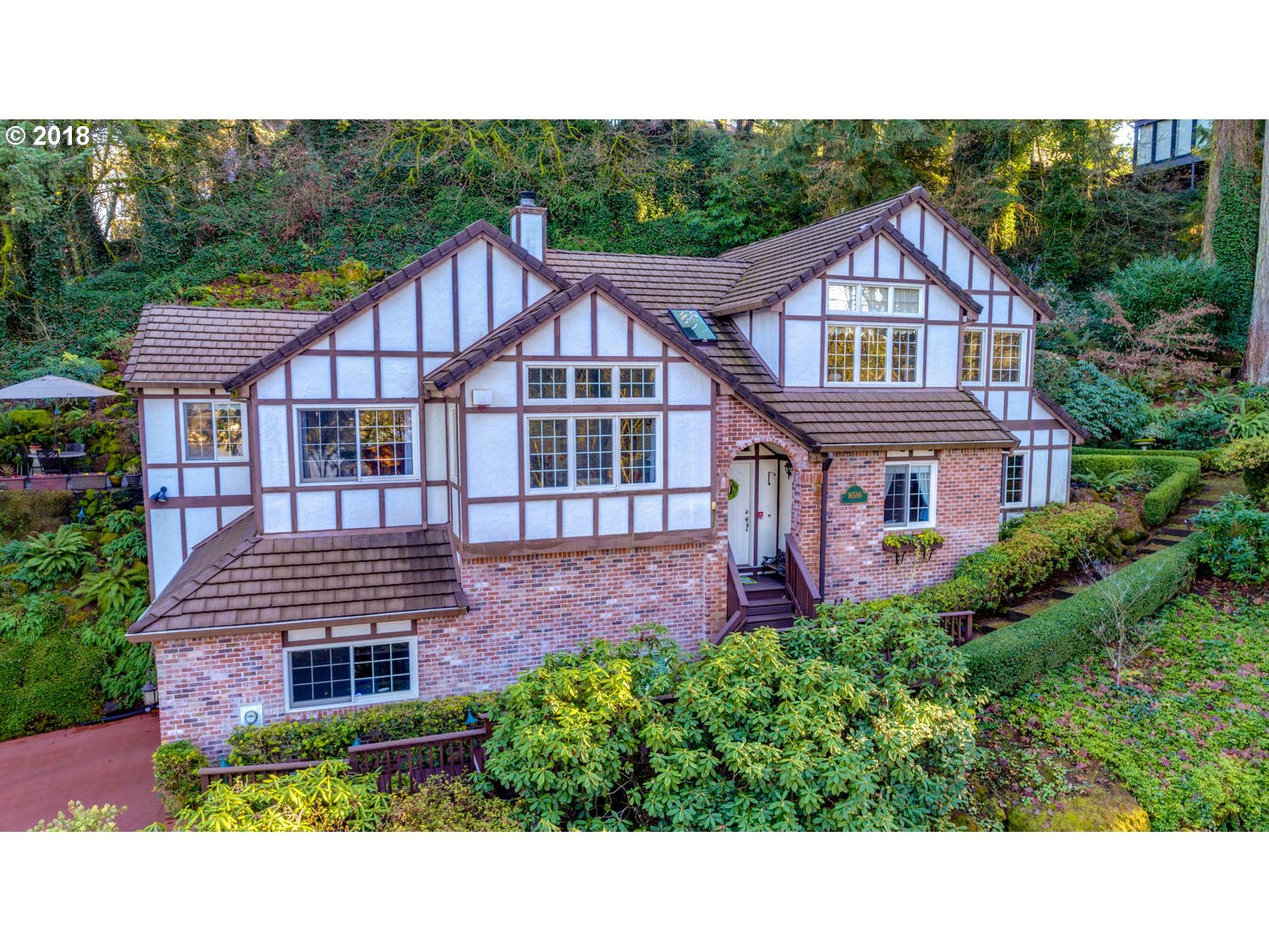 16586 PHANTOM BLUFF CT, Lake Oswego OR 97034