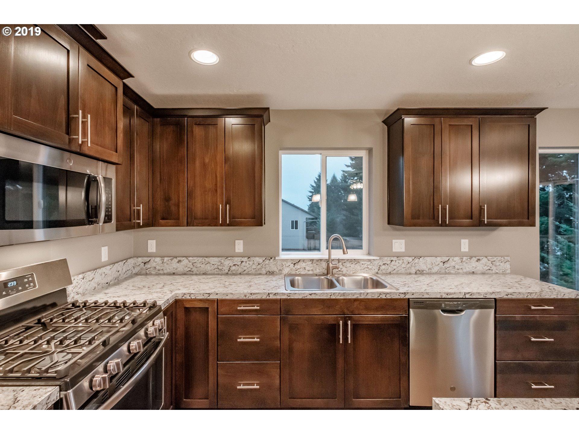 335 NW 6TH ST Willamina, OR 97396 - MLS #: 18266850