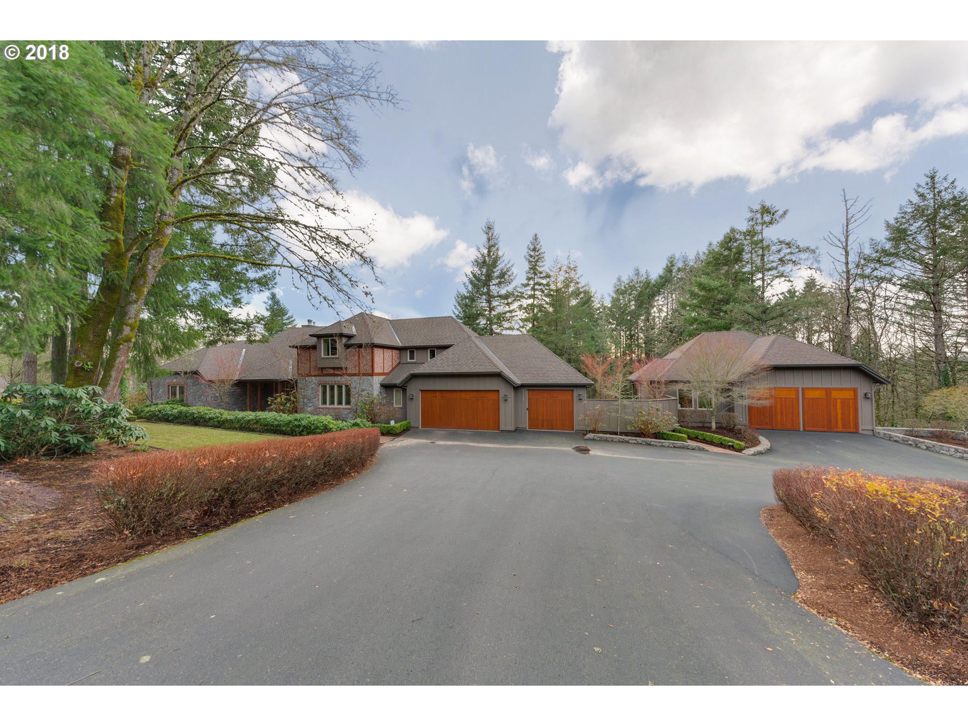 19700 SW JOHNSON RD, West Linn, OR 97068