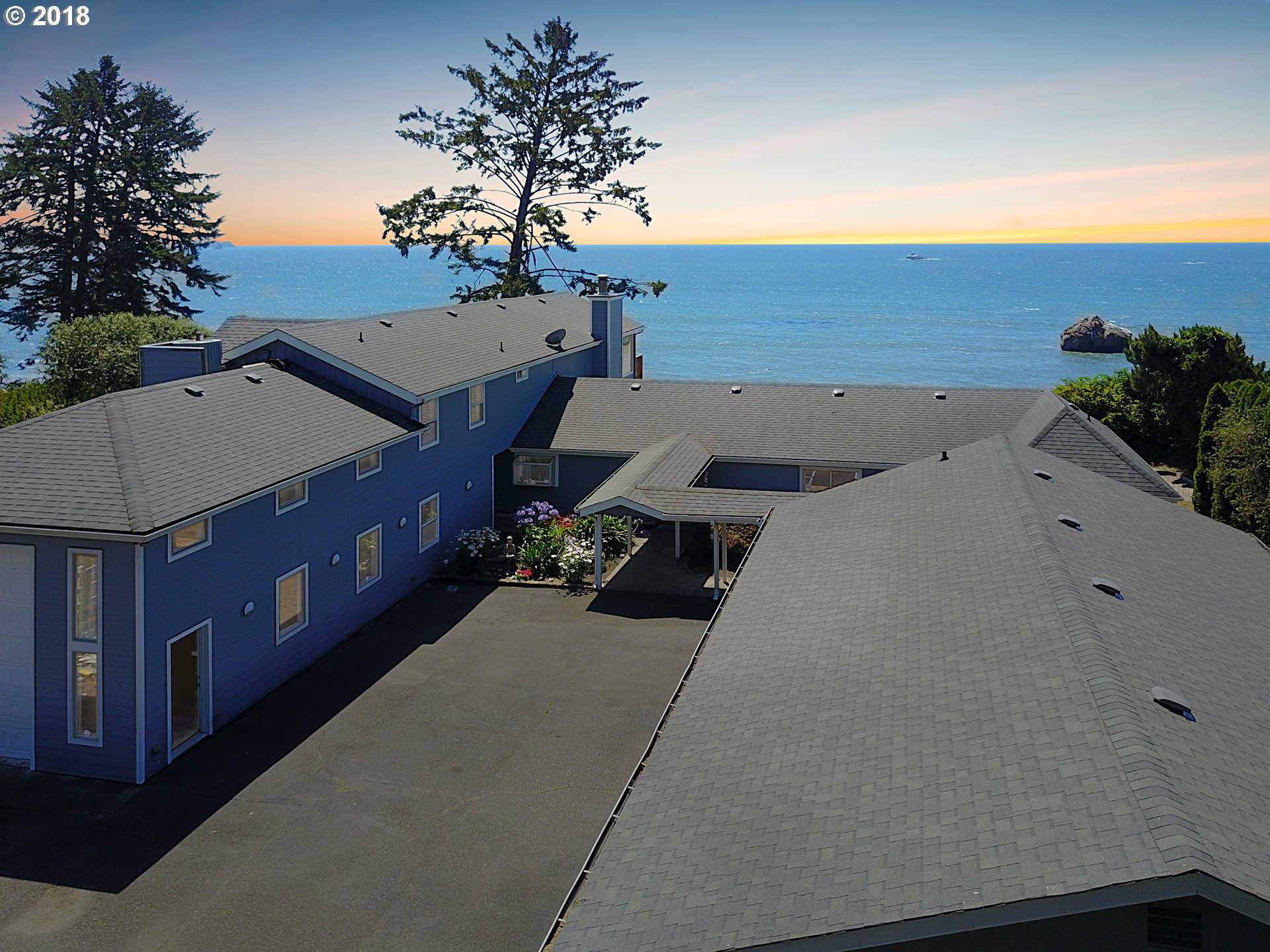 Brookings, OR 5 Bedroom Home For Sale