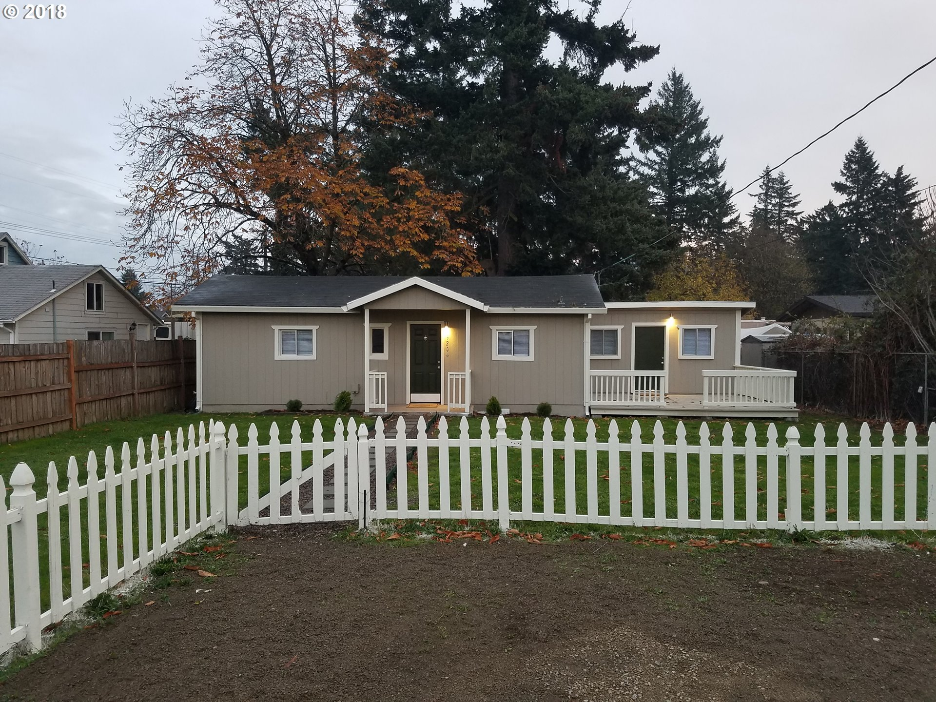 992 sq. ft 2 bedrooms 1 bathrooms  House For Sale, Portland, OR