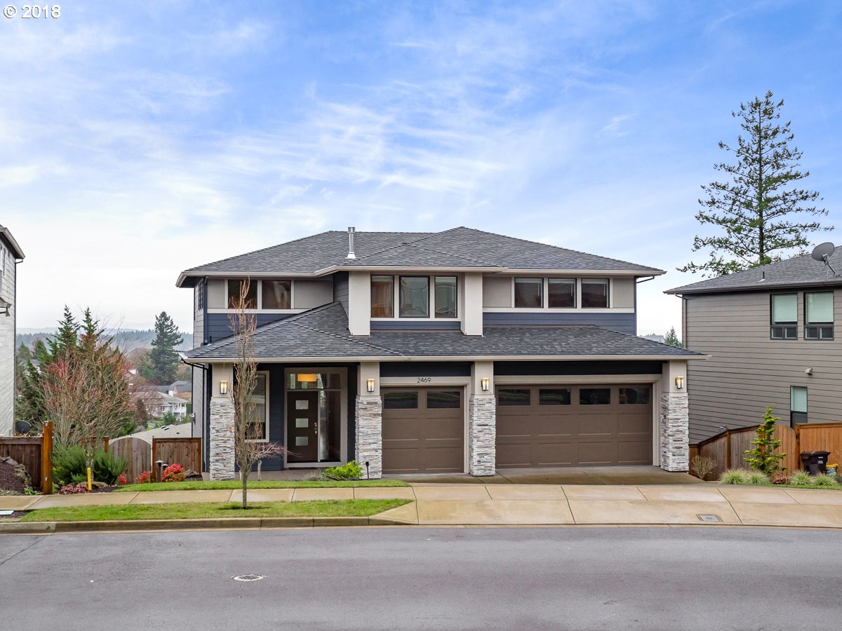 2469 CRESTVIEW DR, West Linn, OR 97068
