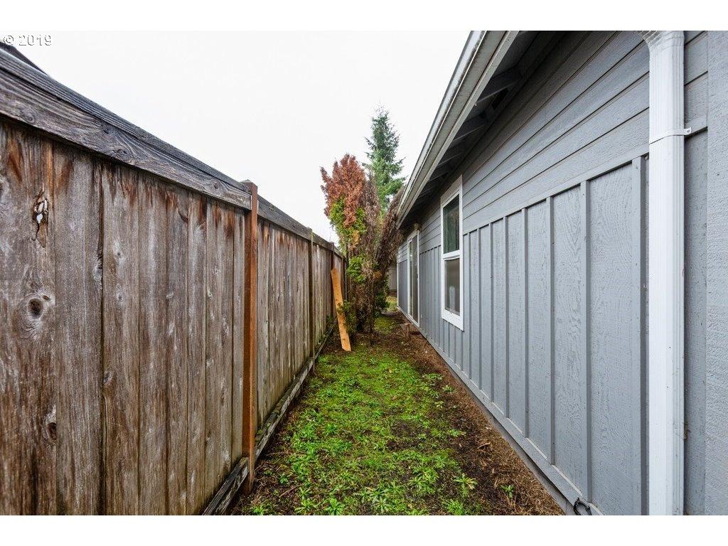 593 HANOVER ST Eugene, OR 97402 - MLS #: 18342166