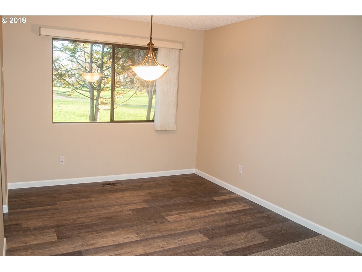 10900 SW HIGHLAND DR Tigard, OR 97224 - MLS #: 18346059