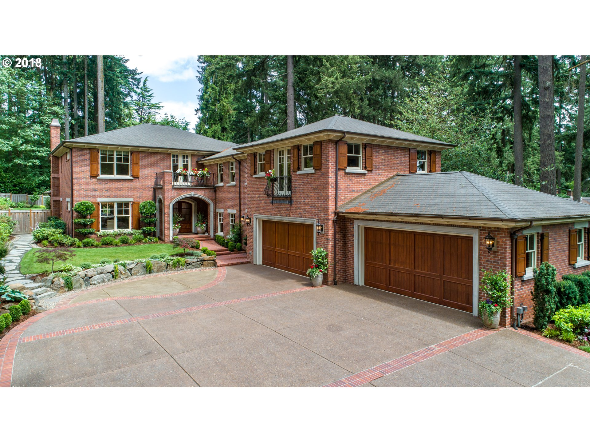1075 CHANDLER RD, LAKE OSWEGO, OR 97034