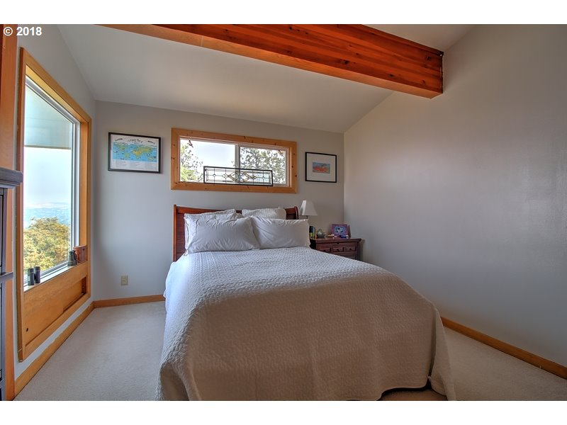 1325 HERMITS WAY, THE DALLES, OR 97058  Photo 14