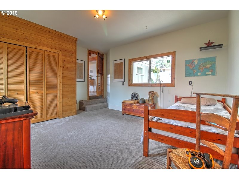 1325 HERMITS WAY, THE DALLES, OR 97058  Photo 16