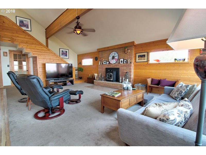 1325 HERMITS WAY, THE DALLES, OR 97058  Photo 5