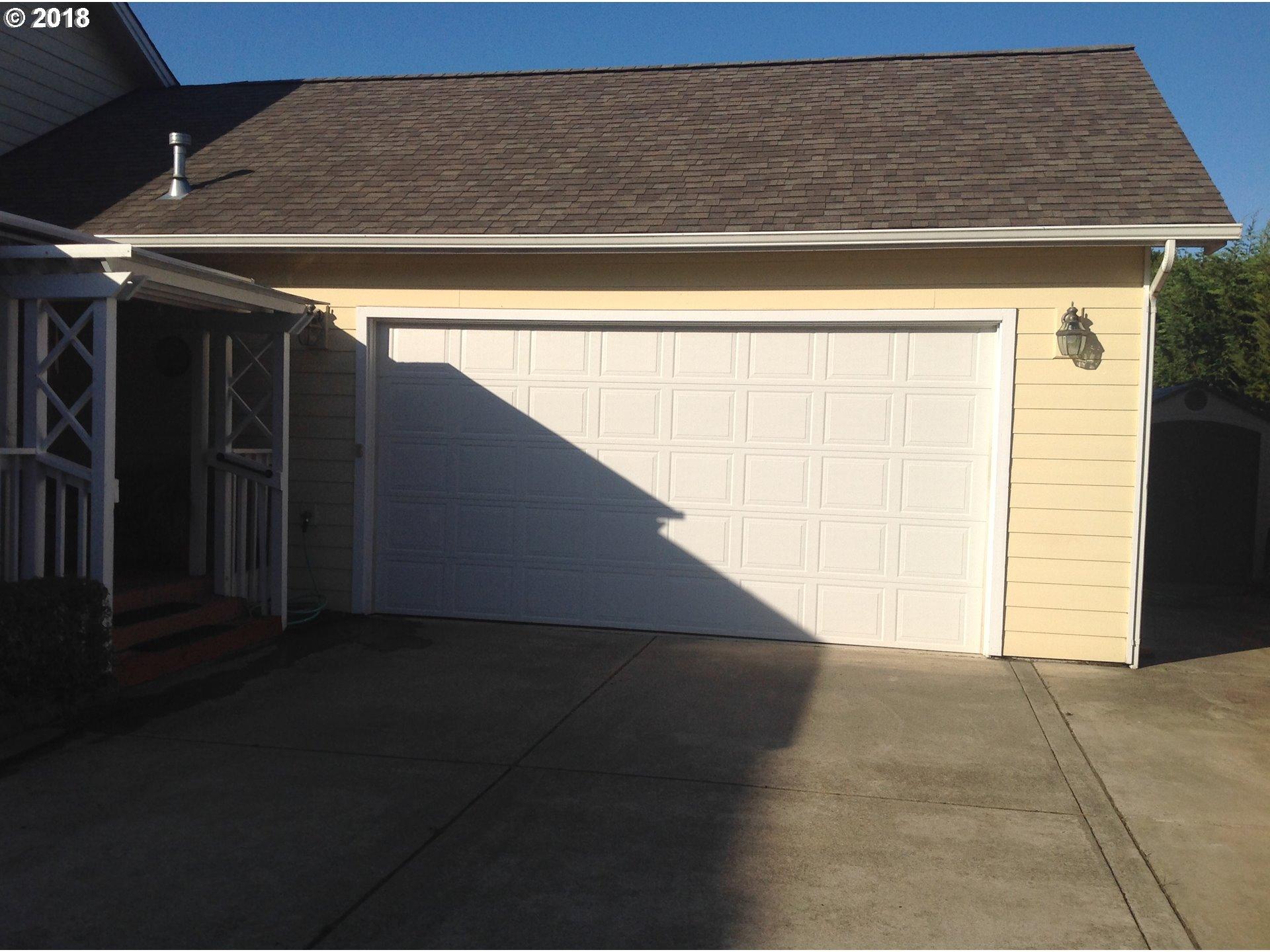 2041 GARFIELD ST North Bend, OR 97459 - MLS #: 18416505