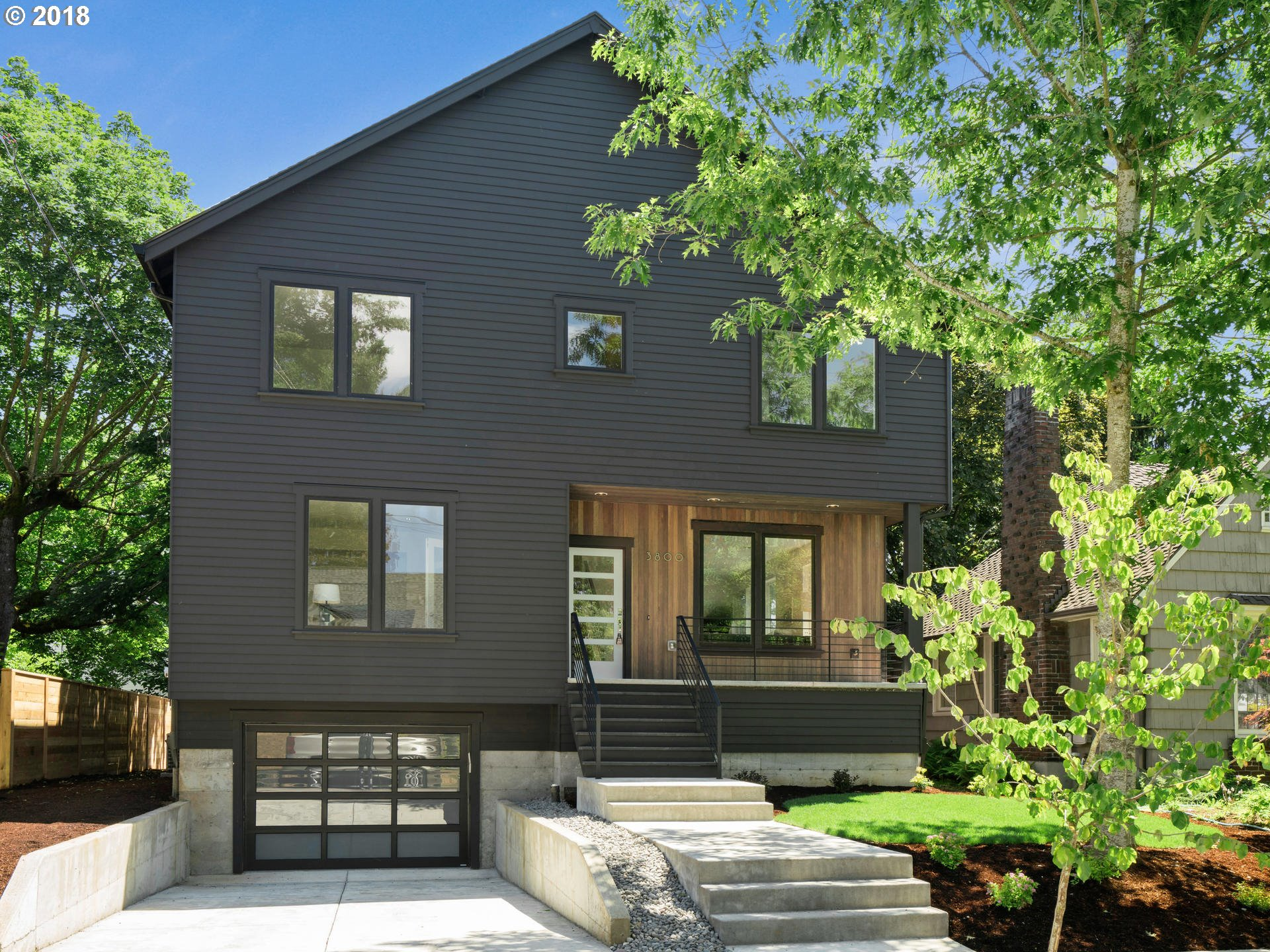 3800 Ne 36Th Ave, Portland, Or 97212 - Living Room