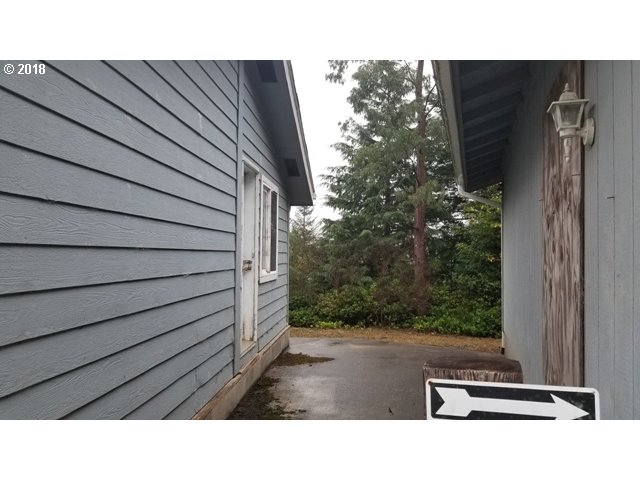 93764 NABB LN North Bend, OR 97459 - MLS #: 18515074