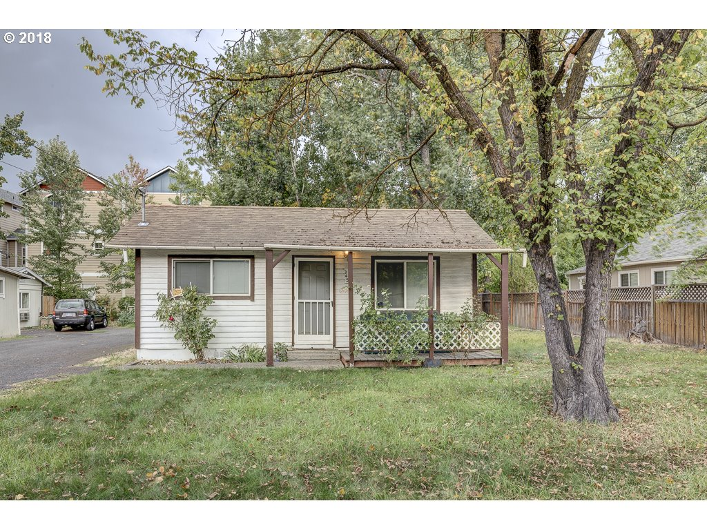 Medford, OR 2 Bedroom Home For Sale