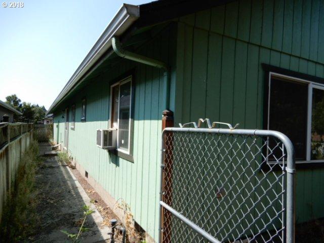 560 OAKDALE AVE Springfield, OR 97477 - MLS #: 18591934