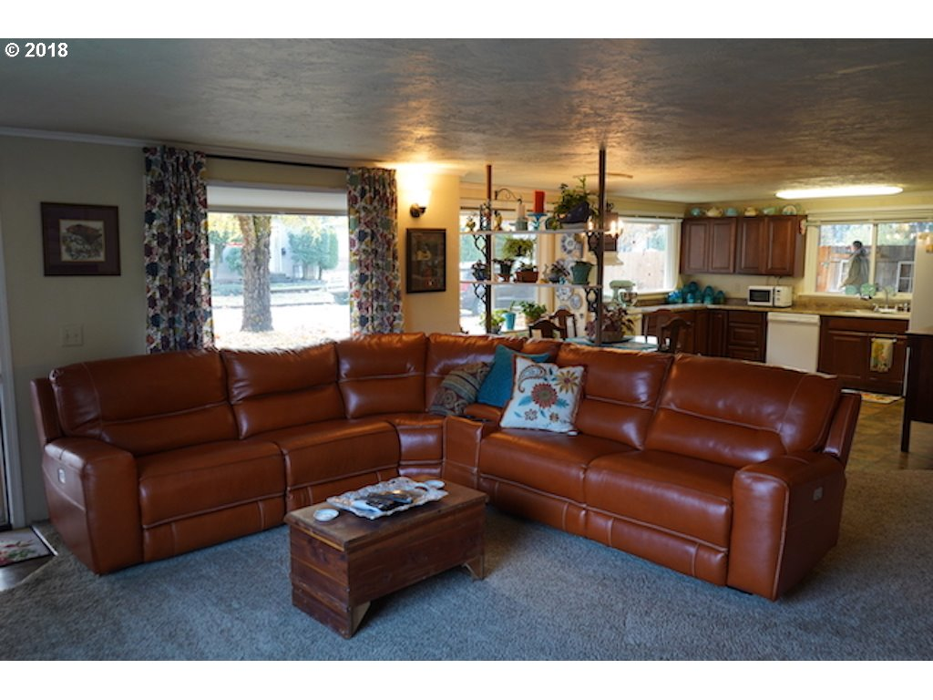 1060 ADAMS AVE Cottage Grove, OR 97424 - MLS #: 18599395