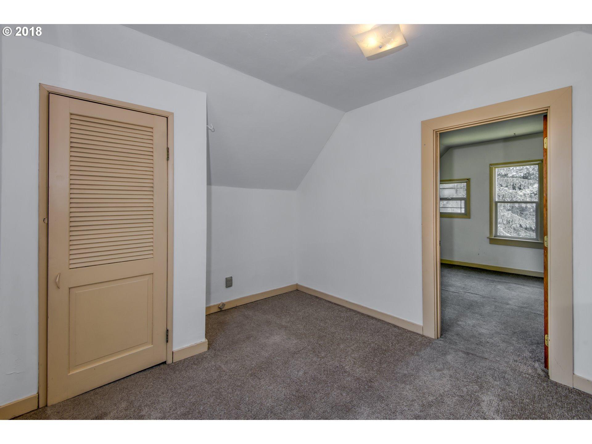 171 N 1ST ST Carlton, OR 97111 - MLS #: 18599920